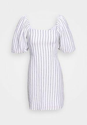 SMOCKED MINI - Denní šaty - white/blue