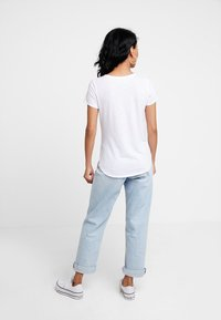 Abercrombie & Fitch - SLEEVE ICON TEE - Basic T-shirt - white - 2