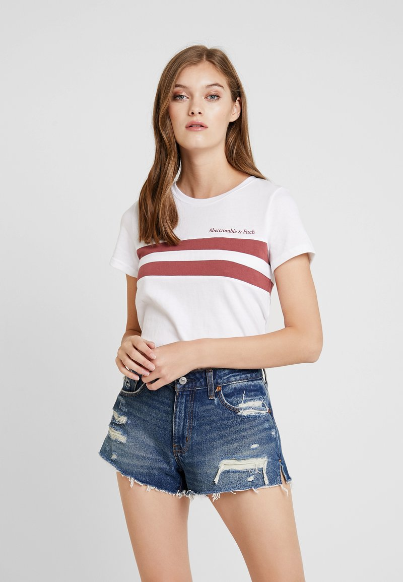 Abercrombie & Fitch - LOGO CREST TEE - T-shirt med print - cream