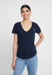 Abercrombie & Fitch - V NECK TEE 3 PACK - T-shirt con stampa - black/white/navy - 2
