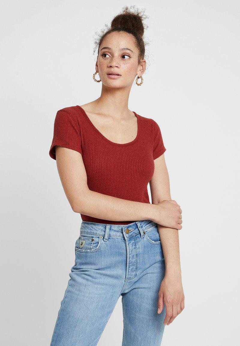 Abercrombie & Fitch - SHORT SLEEVE SLIB TEE - Basic T-shirt - burgundy
