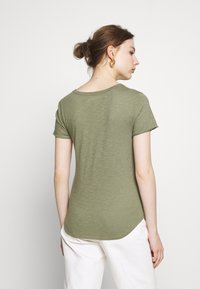 Abercrombie & Fitch - SOFT TEE - Basic T-shirt - green - 2