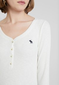 Abercrombie & Fitch - LONG SLEEVE ICON HENLEY - T-shirt à manches longues - jet stream - 4