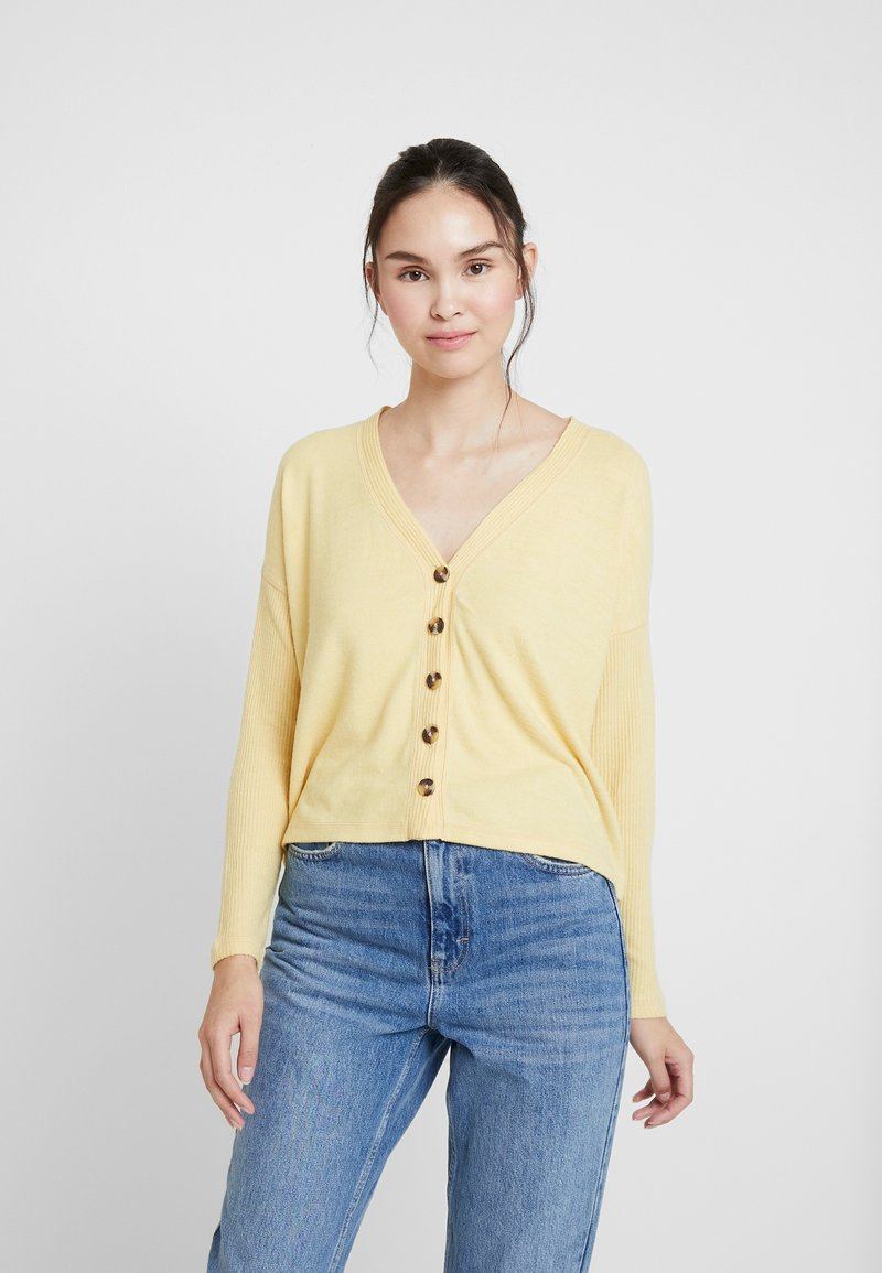 Abercrombie & Fitch - BUTTON THROUGH COZY  - Cardigan - yellow