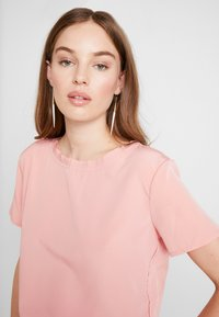 Abercrombie & Fitch - SIDE SPLIT TEE - Bluser - light pink - 4