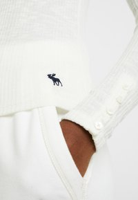 Abercrombie & Fitch - SLIM MULTI 2 PACK - Top sdlouhým rukávem - black/white - 4