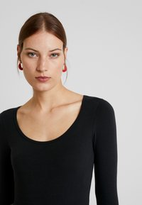 Abercrombie & Fitch - Long sleeved top - black - 4