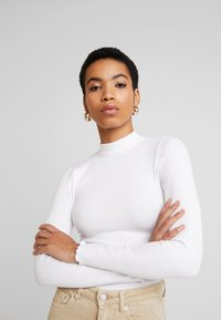 Abercrombie & Fitch - SCOOP ESSENTIAL BODY - Topper langermet - white - 3