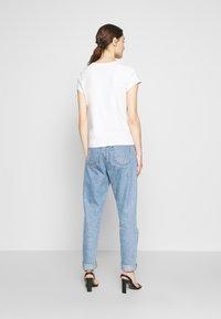 Abercrombie & Fitch - LONG LIFE LOGO - Print T-shirt - white - 2