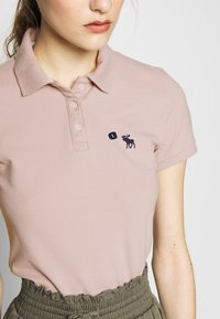 Abercrombie & Fitch - Poloskjorter - pink - 4