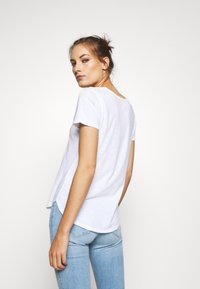 Abercrombie & Fitch - SOFT ICON TEE - Basic T-shirt - white - 2