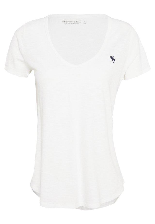 SOFT ICON TEE - Jednoduché triko - white