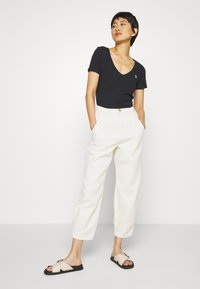 Abercrombie & Fitch - SOFT ICON TEE - T-shirt basic - black - 1