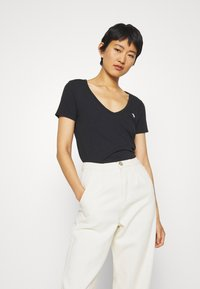 Abercrombie & Fitch - SOFT ICON TEE - T-shirt basic - black - 0