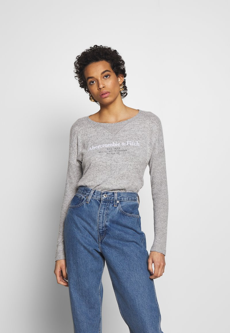 Abercrombie & Fitch - UPPER TIER COZY LOGO TEE - Maglione - grey