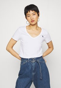 Abercrombie & Fitch - VNECK 3 PACK - Basic T-shirt - black/white/navy - 2