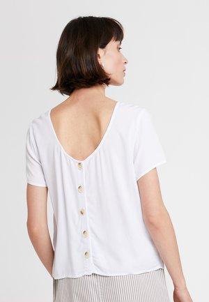 BUTTON BACK TEE - Blusa - white