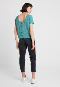 Abercrombie & Fitch - BUTTON BACK TEE - Blouse - green - 2