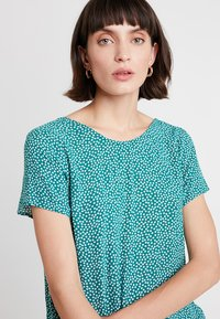 Abercrombie & Fitch - BUTTON BACK TEE - Blouse - green - 3