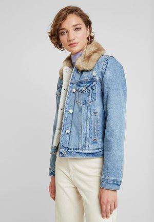 GIRLFRIEND COLLAR JACKET - Kurtka jeansowa - light wash