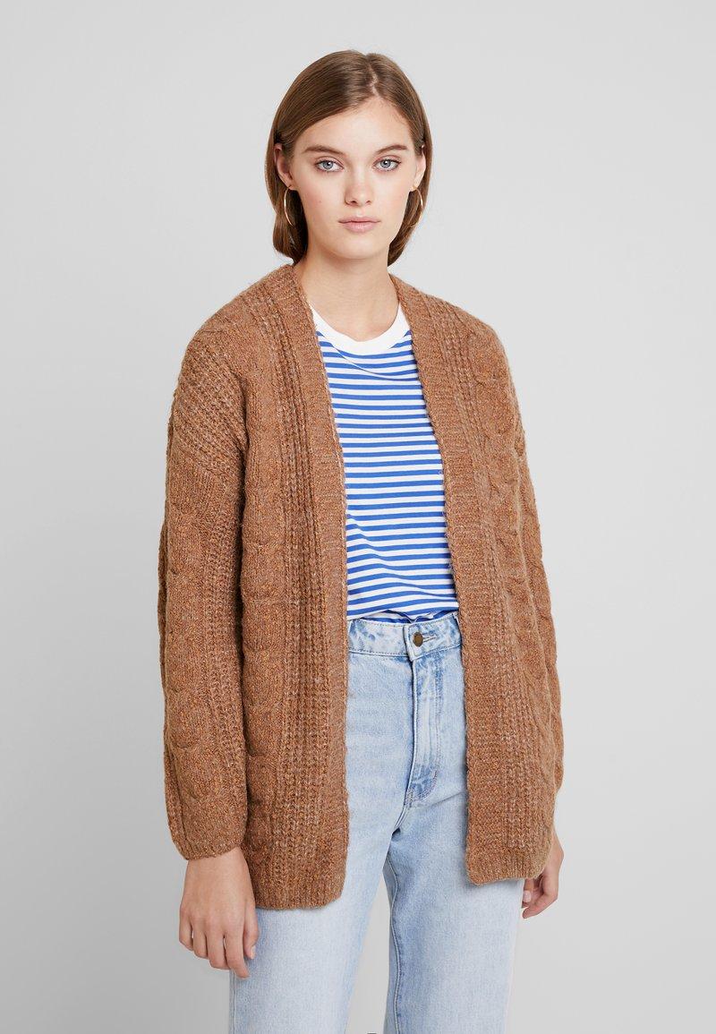 Abercrombie & Fitch - SHAKER CARDIGAN - Vest - caramel