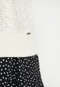 Abercrombie & Fitch - MOCKNECK - Jersey de punto - cream - 5