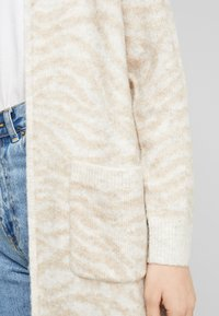 Abercrombie & Fitch - CARDIGAN - Cardigan - neutral brown - 5