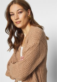 Abercrombie & Fitch - PUFF SLEEVE CARDI - Cardigan - brown - 3