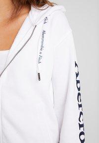 Abercrombie & Fitch - FULL ZIP LOGO - Zip-up hoodie - white - 4