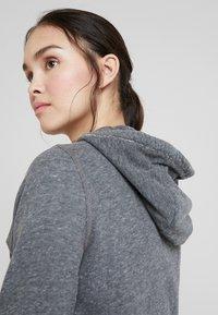 Abercrombie & Fitch - TECH LOGO - Zip-up hoodie - dark grey - 3