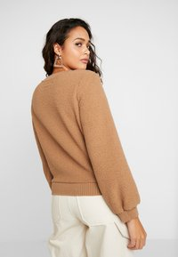 Abercrombie & Fitch - MOCK NECK CREW - Sweatshirt - brown - 2