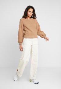 Abercrombie & Fitch - MOCK NECK CREW - Sweatshirt - brown - 1