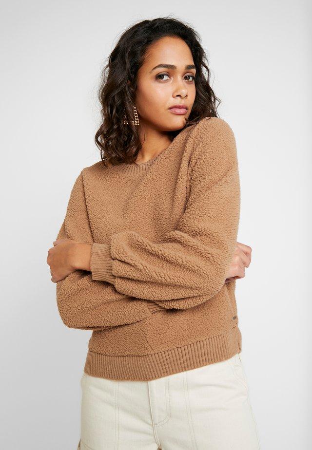 MOCK NECK CREW - Bluza - brown