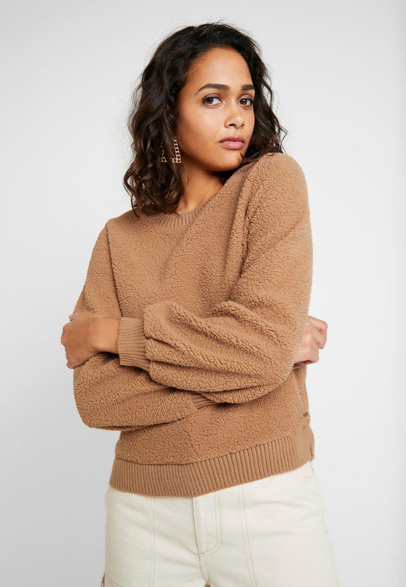 Abercrombie & Fitch - MOCK NECK CREW - Sweatshirt - brown