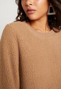 Abercrombie & Fitch - MOCK NECK CREW - Sweatshirt - brown - 5