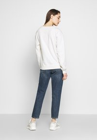 Abercrombie & Fitch - HERITAGE RELAXED CREW - Sweatshirt - grey heather - 2