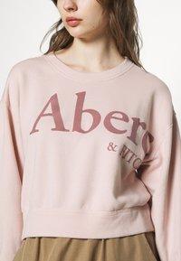 Abercrombie & Fitch - TREND LOGO SHARKBITE CREW - Sweatshirt - pink - 4