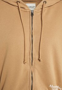 Abercrombie & Fitch - TREND LOGO - Felpa aperta - brown - 2