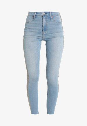 SIDE STRIPE HIGH RISE ANKLE - Jeans Skinny Fit - light
