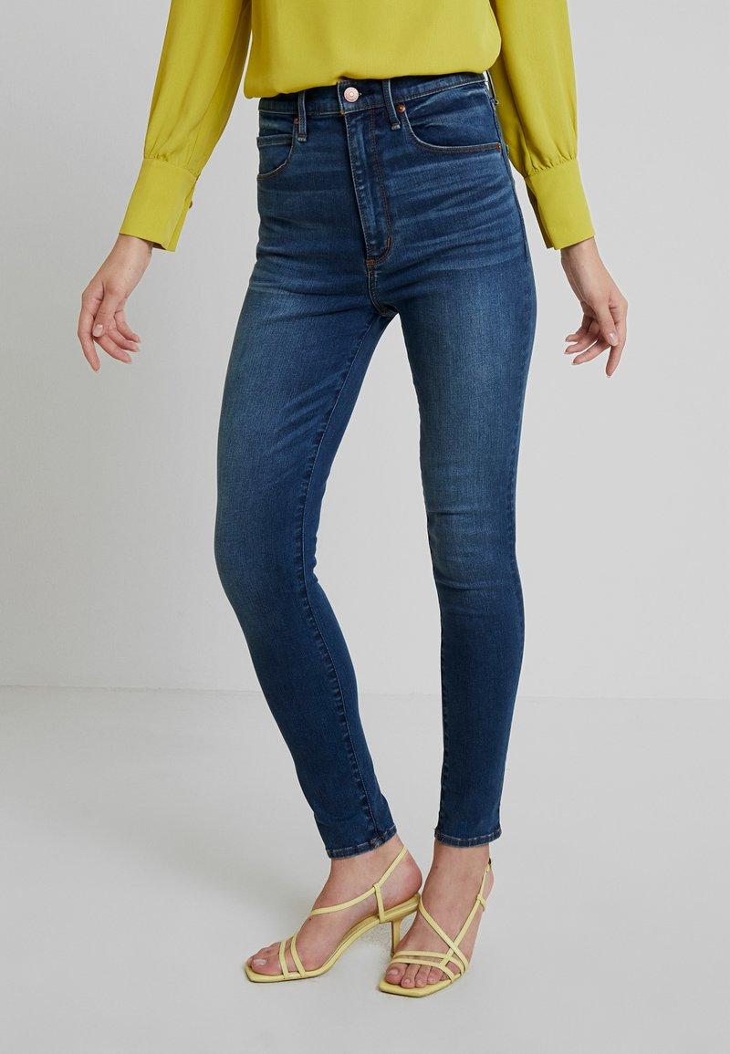 Abercrombie & Fitch - ULTRA HIGH RISE - Skinny džíny - blue denim