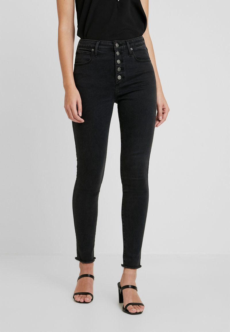 Abercrombie & Fitch - SHANK CURVY ANKLE - Jeans Skinny Fit - black