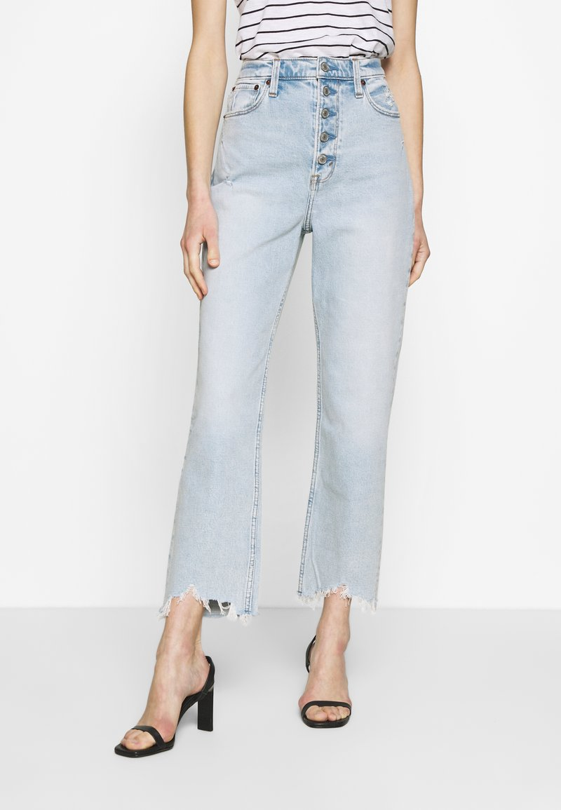 Abercrombie & Fitch - SHANK CURVE - Bootcut jeans - light destroy
