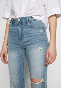 Abercrombie & Fitch - Jeans Skinny Fit - med destroy - 5