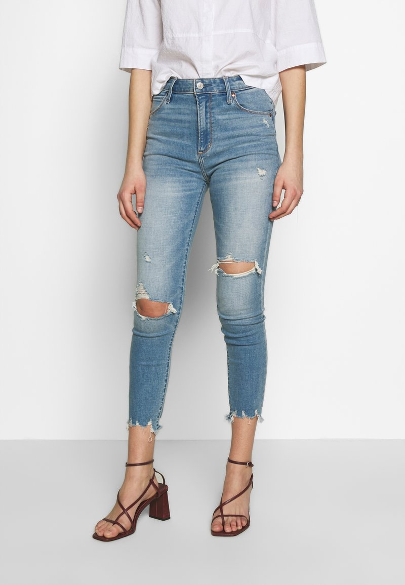 Abercrombie & Fitch - Jeans Skinny Fit - med destroy