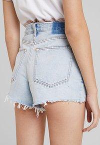 Abercrombie & Fitch - HIGH RISE - Jeansshort - light-blue denim - 3