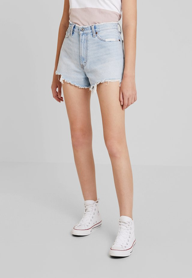 HIGH RISE - Jeans Shorts - light-blue denim