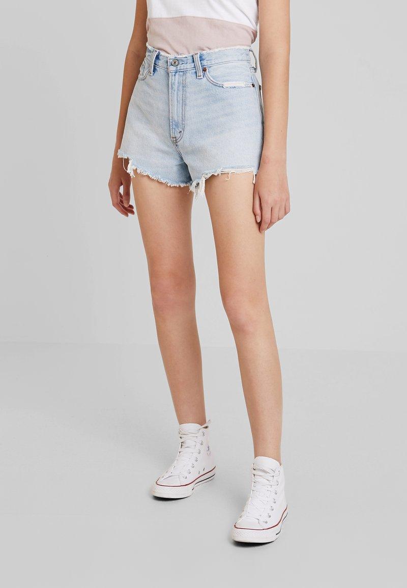 Abercrombie & Fitch - HIGH RISE - Jeans Shorts - light-blue denim