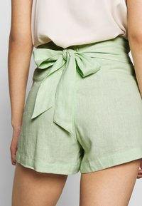 Abercrombie & Fitch - NEWNESS WEBEX - Shorts - green - 5