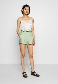 Abercrombie & Fitch - NEWNESS WEBEX - Shorts - green - 1