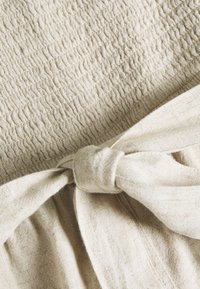 Abercrombie & Fitch - SAFARI ROMPER  - Tuta jumpsuit - beige - 2